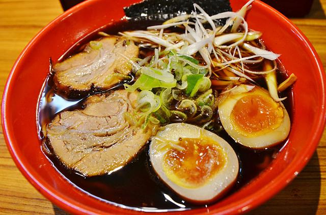 富山黑拉麵