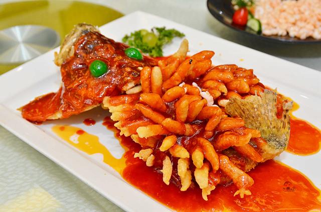 松鶴樓, 蘇州美食,  蘇州必吃美食, 松鶴樓松鼠桂魚, 蘇州美食推薦