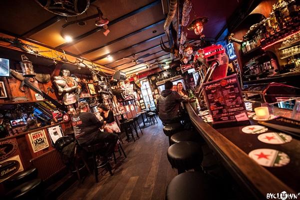 Bar - Excalibur , Amsterdam