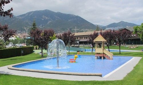 piscina infantil berga resort