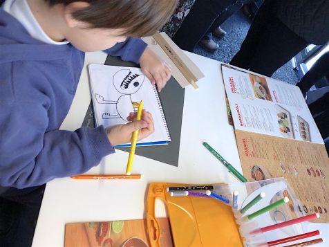 bic kids dibujando
