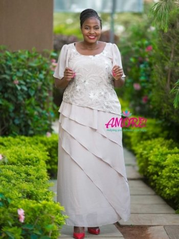 Nude lebos gown
