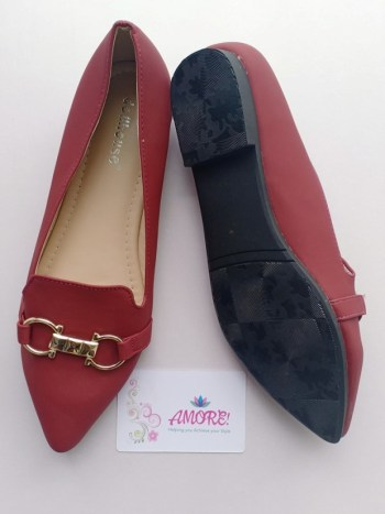 Maroon pointed doll shoe with buckle