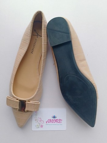 Nude pointed with bow doll shoe