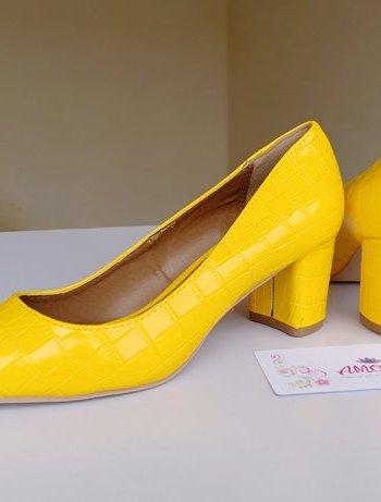 Yellow wetlook chunky heel