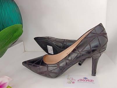 Black croco court heel