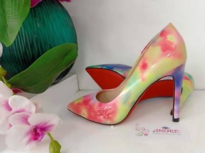 Yellowish marble heel