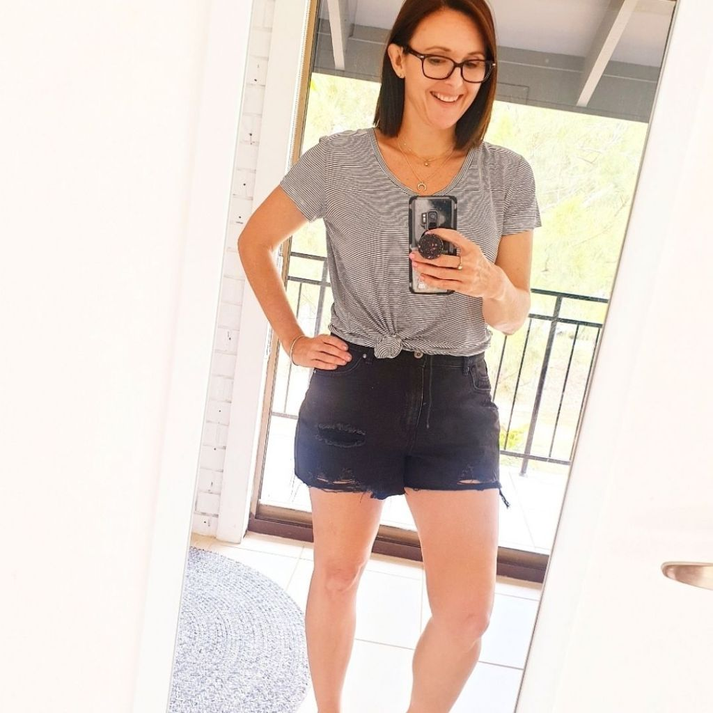 Mom Shorts Outfits for over 40 women