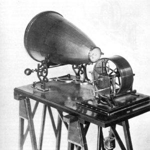 Fonoautógrafo fue el antesesor del fonógrafo de Edision