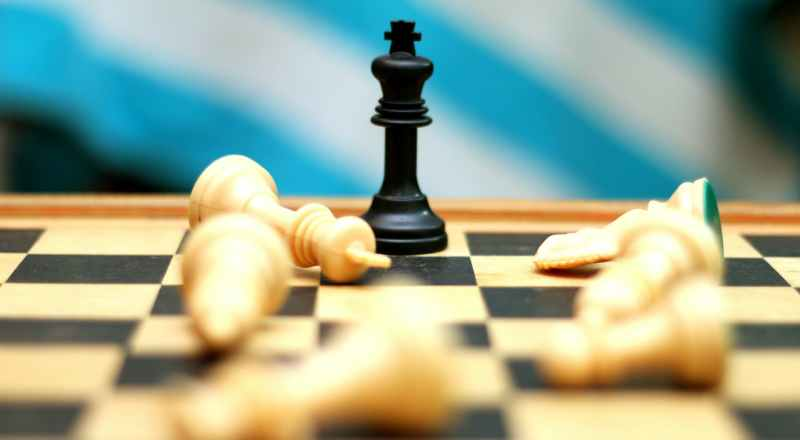 SWOT-Analyse king chess piece