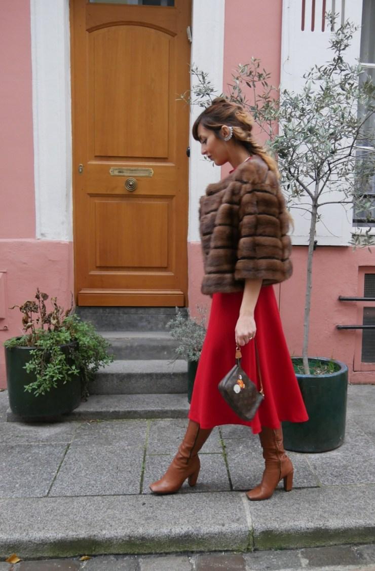 amourblogetbeaute tenue rouge fourrure Aurora