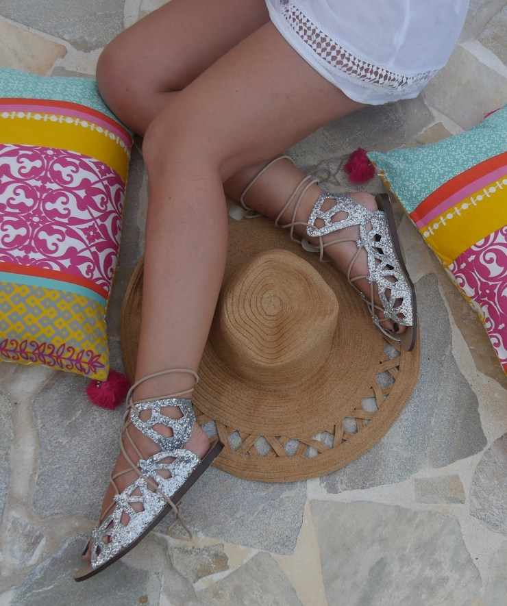amourblogetbeaute-faire-sa-valise-confort-détail-chaussures-zara-couv