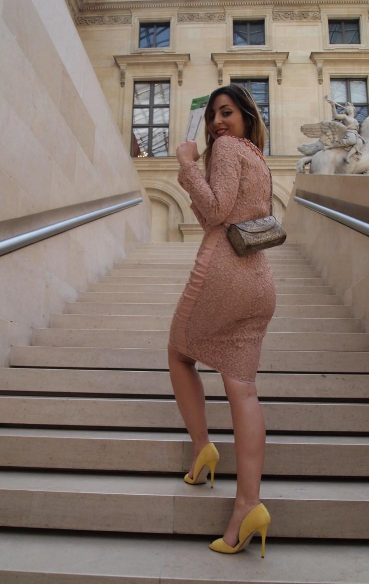 amourblogetbeaute-Les 5 secrets mode des italiennes-robe-crayon-sobre