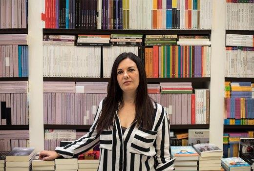 Ledicia Costas: «Vigo está dentro de min e sae de xeito natural nas miñas novelas»