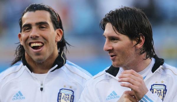 Ronaldo Früher : Carlos Tevez Uber Ex Mitspieler Lionel Messi Und Cristiano Ronaldo