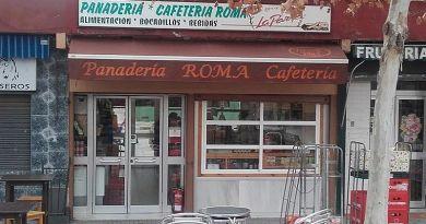 Vista exterior del establecimiento Panadería y Cafetería Roma