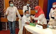 Foto: Raflizar plt Kadinkes Prov Jambi saat Disuntik Vaksin Belum Lama Ini/ist.net
