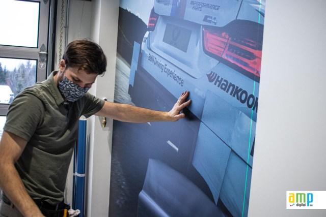 Habillage murale en concession autobile