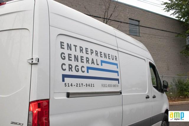 Lettrage d'un camion Mercedes Sprinter pour un entrepreneur en construction sur la rive nord de Montréal