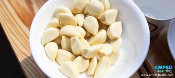 น้ำมันกระเทียมสกัดเย็น ( Cold pressed garlic oil )