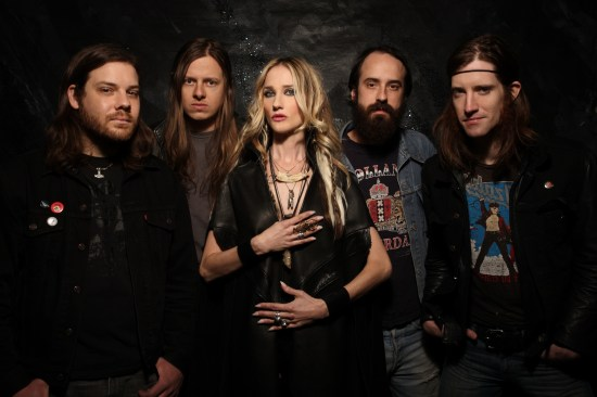 Jill Janus from Huntress - Interview with Amps and Green Screens