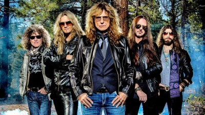 Whitesnake's Joel Hoekstra On The Purple Album, His Favorite Guitars, And Being A Bulls Fan