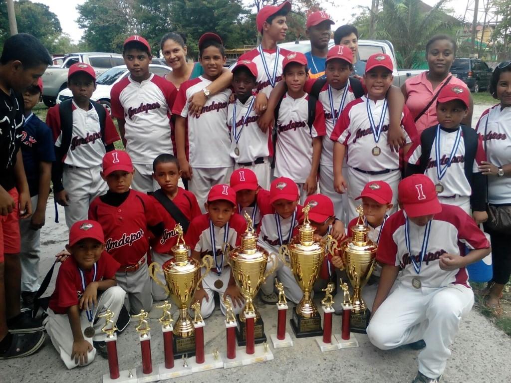 campeones regionales en tres categorias pre infantil, pre junior y junior y subcampeon en infantil (Medium)