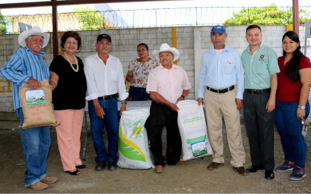 Más de 200 Agricultores del municipio son beneficiados con insumos