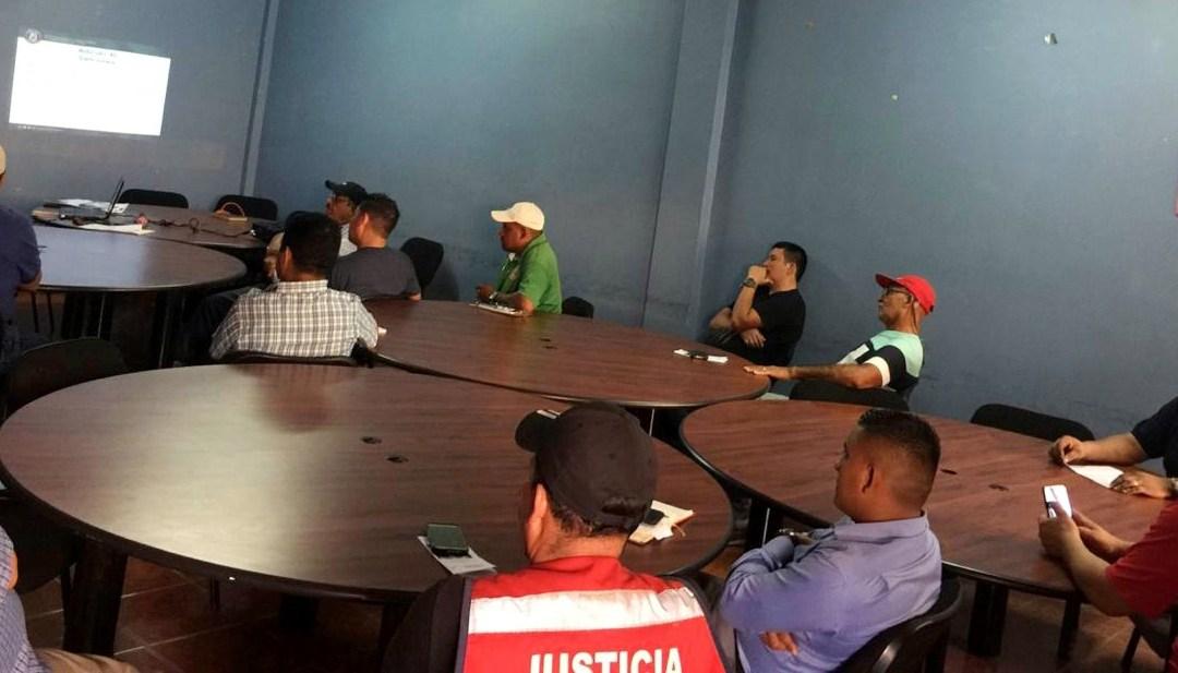 Socializamos Ley Integral de Protección alAdulto Mayorcon transportistas.