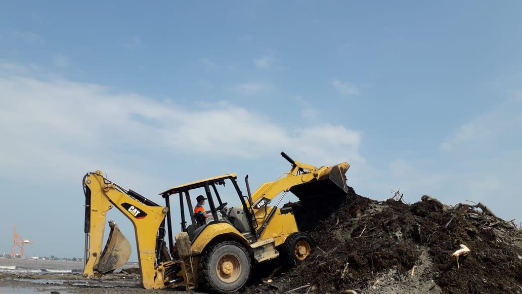 500 toneladas de desechos son retiradas de la Playa Municipal después del paso de ETA.