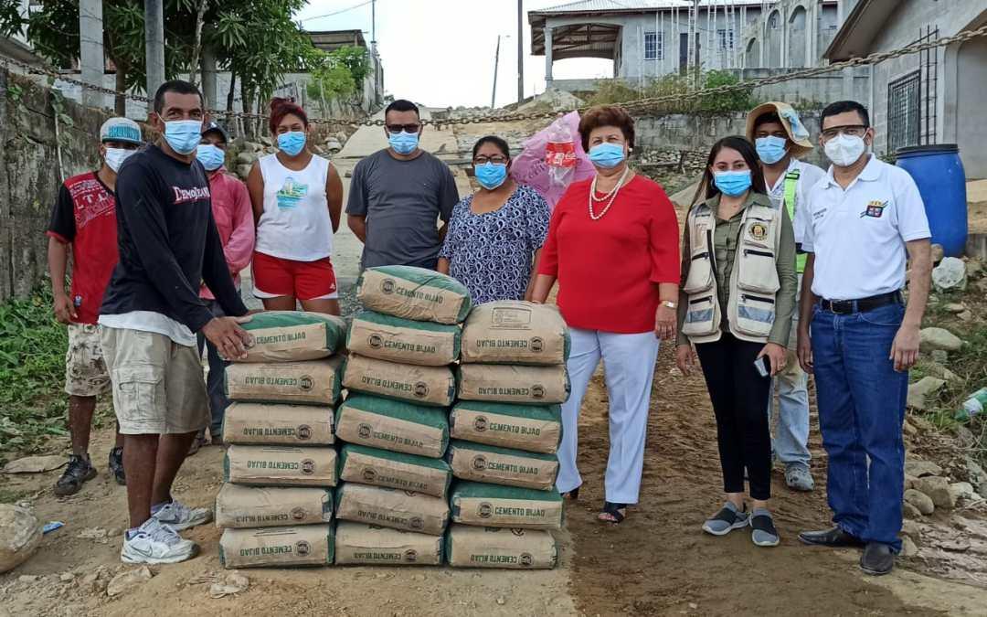 Entregamos cemento para proyecto de pavimentación calle en Villa Isabel