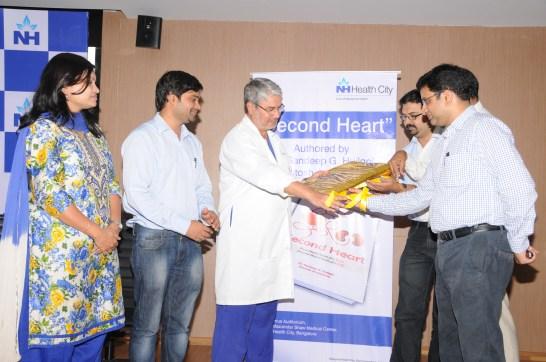 L to R: Jyothi G, Santosh Avvannavar (Auhtor), Prof. (Dr.) Ashley D'Cruz, Prof. (Dr.) Llyod Vincent, Sandeep Huilgol (Auhtor), Sachin K (Aarvind India Publisher)