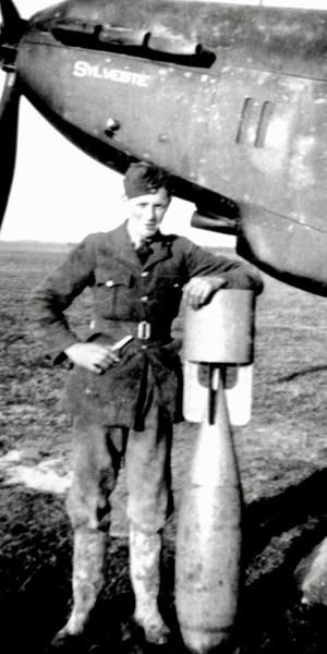 Victor BINGHAM du XV sq en 1940