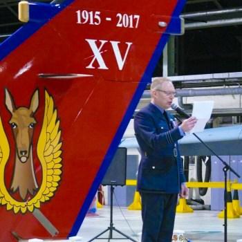 Colonel Paul FROOME devant la dérive du Tornado du centenaire.