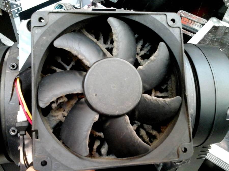 réparation projecteur lyre ventilateur