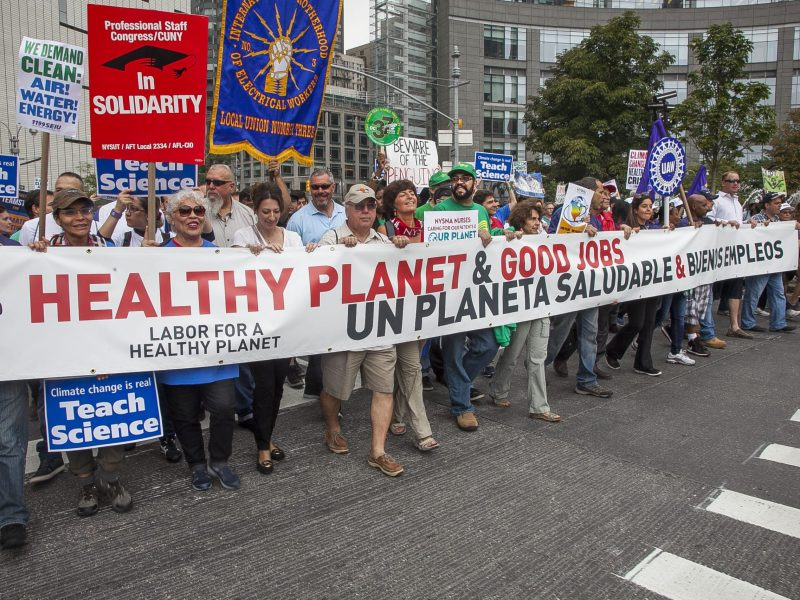 Climate is the name of the game: Marchers takes over NYC (93755)