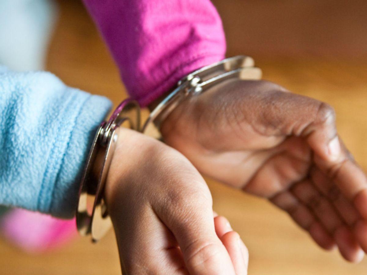 Handcuffs (142343)