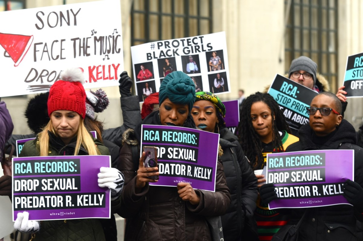 Protesters outside Sony Music demanding the label drop R. Kelly (274439)