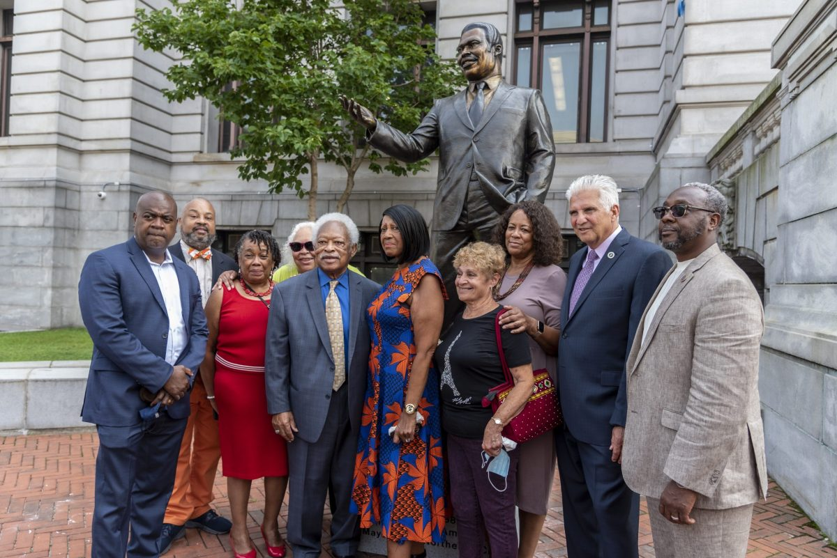 Kenneth Gibson statue unveiling at Newark City Hall (308658)