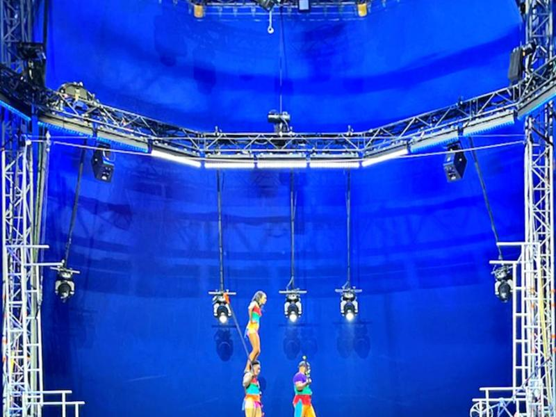 High wire act at UniverSoul Circus (309001)