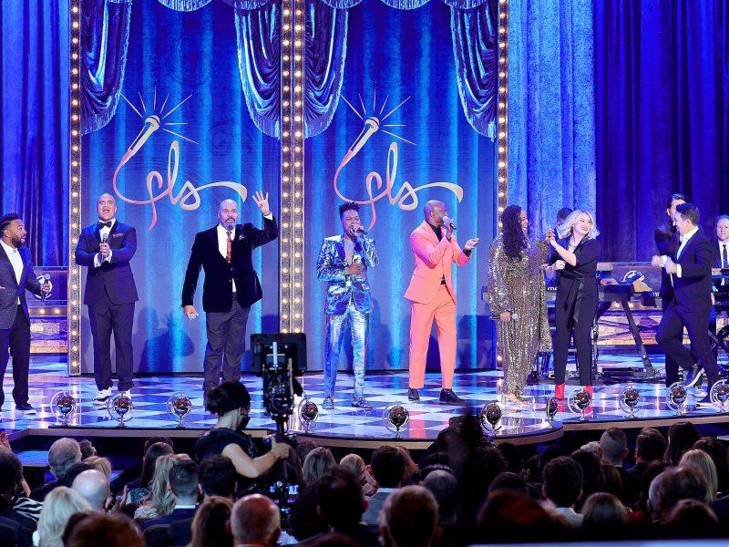 Tarik Davis, Christopher Jackson, James Monroe Iglehart, Leslie Odom Jr., Wayne Brady, Aneesa Folds, Lin Manuel-Miranda, and Chris Sullivan perform onstage with the group Freestyle Love Supreme. (308925)