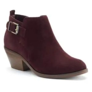 Dutch ankle boot