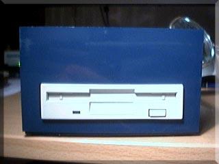 Lecteur 3'1/2 externe sur CPC 6128 (poivre)