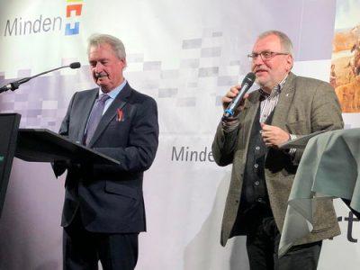 Hans-Jürgen Amtage moderiert das Werteforum mit dem Luxemburger Außenminister Jean Asselborn (l.). Foto: PR