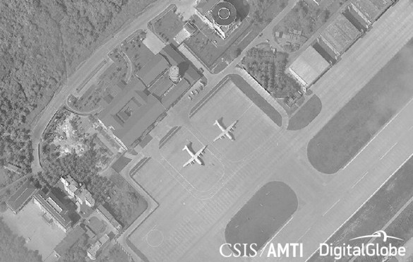 Two Shaanxi Y-8 military transport and reconnaissance planes on Woody Island, November 15, 2017.