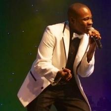 Dre Hilton performing 2