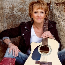 Paula Tozer and guitar