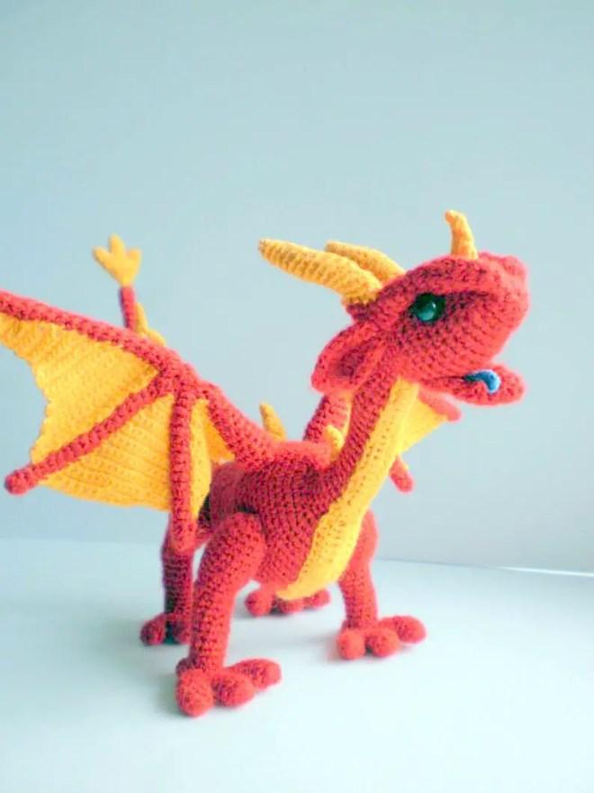 Amazon.com: Animal Amigurumi: Mini asian dragon pattern, miniature ... | 880x660