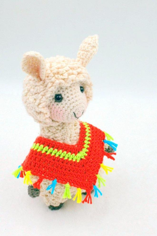 Llama-No-Drama free crochet pattern in With Love yarn. Let's face ... | 989x660