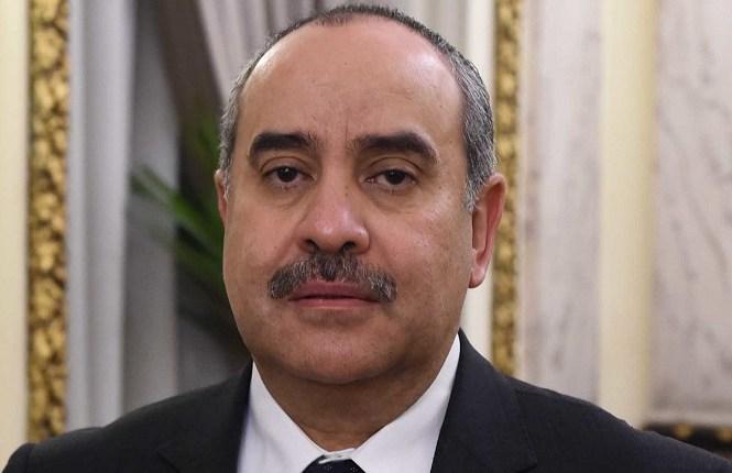 الطيار محمد منار وزير الطيران المدنى